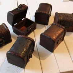 Holzböxchen mit gewölbtem Deckel