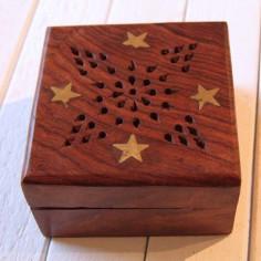 Holzschatulle mit Stern