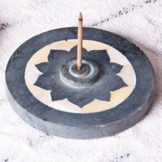Lotus mit Perlmutteinlage Specksteinräucherhalter