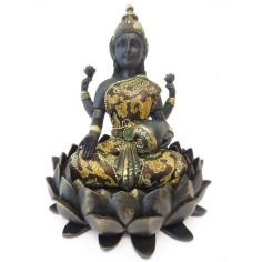 Lakshmi auf Lotus