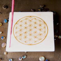 Marmor-Halter - goldene Blume des Lebens