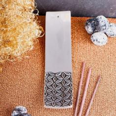 Relief Weissmetallhalter Blume des Lebens