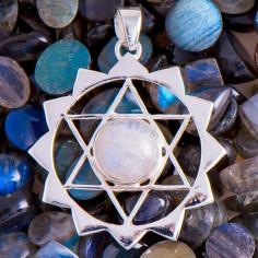 Hexagramm Amulett mit Regenbogen Mondstein